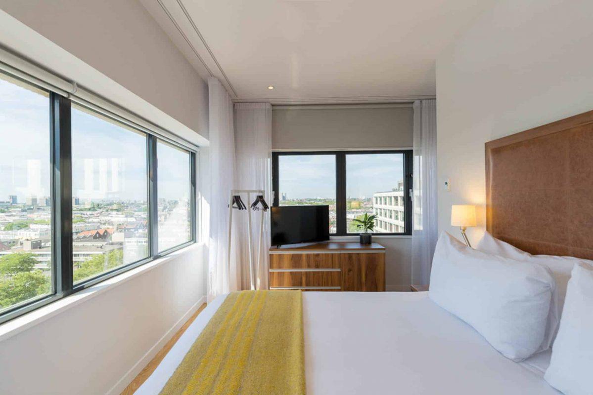 Lichtdurchflutetes Eck-Apartment mit einem Schlafzimmer PREMIER SUITES PLUS Rotterdam