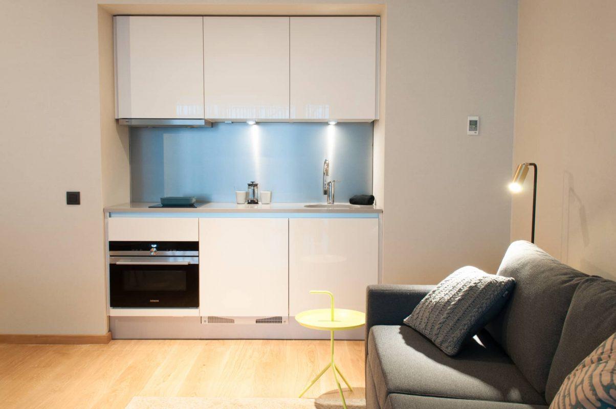 PREMIER SUITES PLUS Antwerp Executive Studio Kitchen