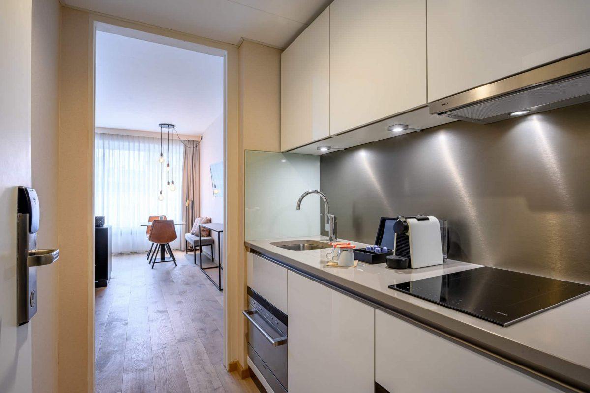 PREMIER SUITES PLUS Antwerp Executive Room with kitchen