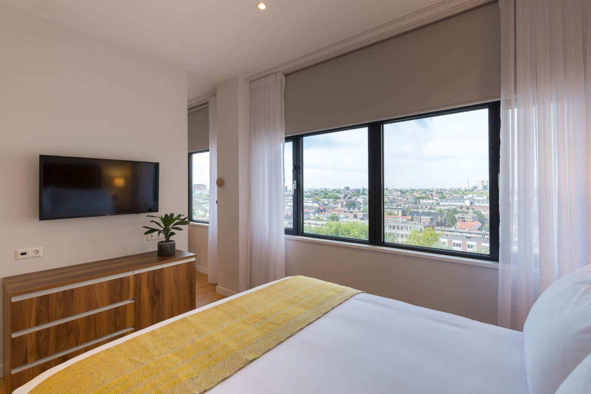 Ein-Schlafzimmer-Apartment Blick vom Schlafzimmer PREMIER SUITES PLUS Rotterdam