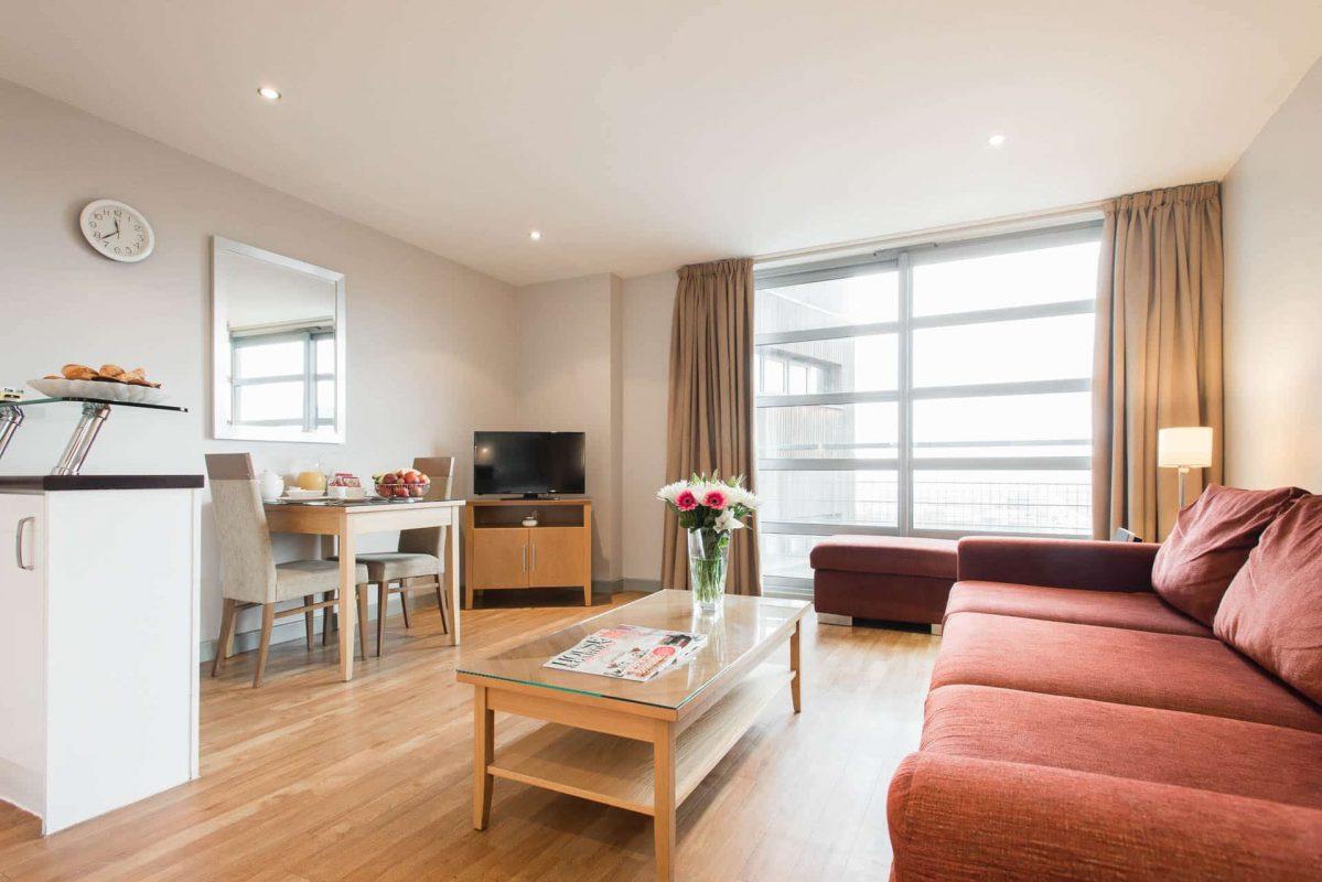PREMIER SUITES Nottingham een slaapkamer open plan leefruimte