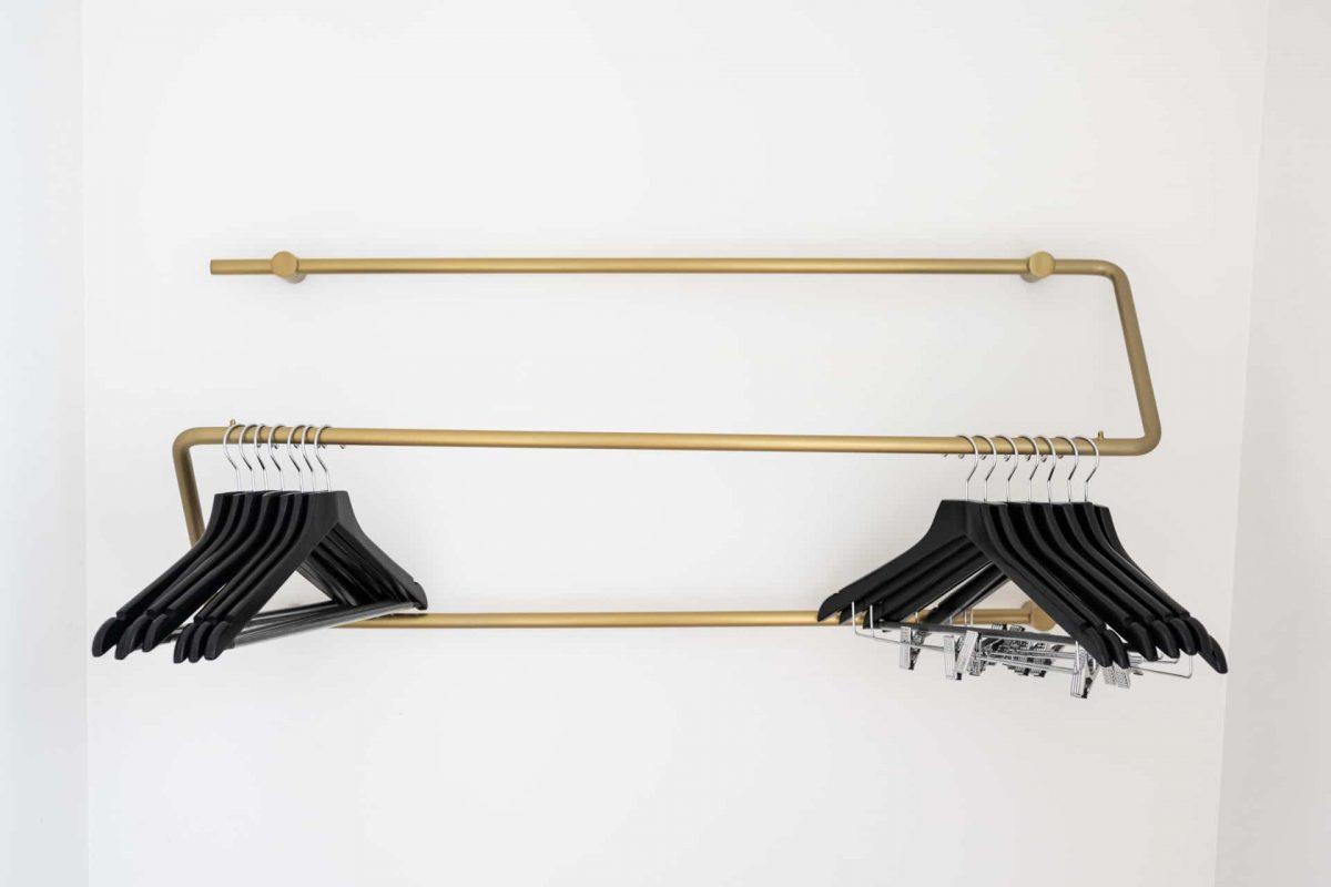 PREMIER SUITES PLUS Amsterdan Superior One Bedroom Apartment Coat Hanger
