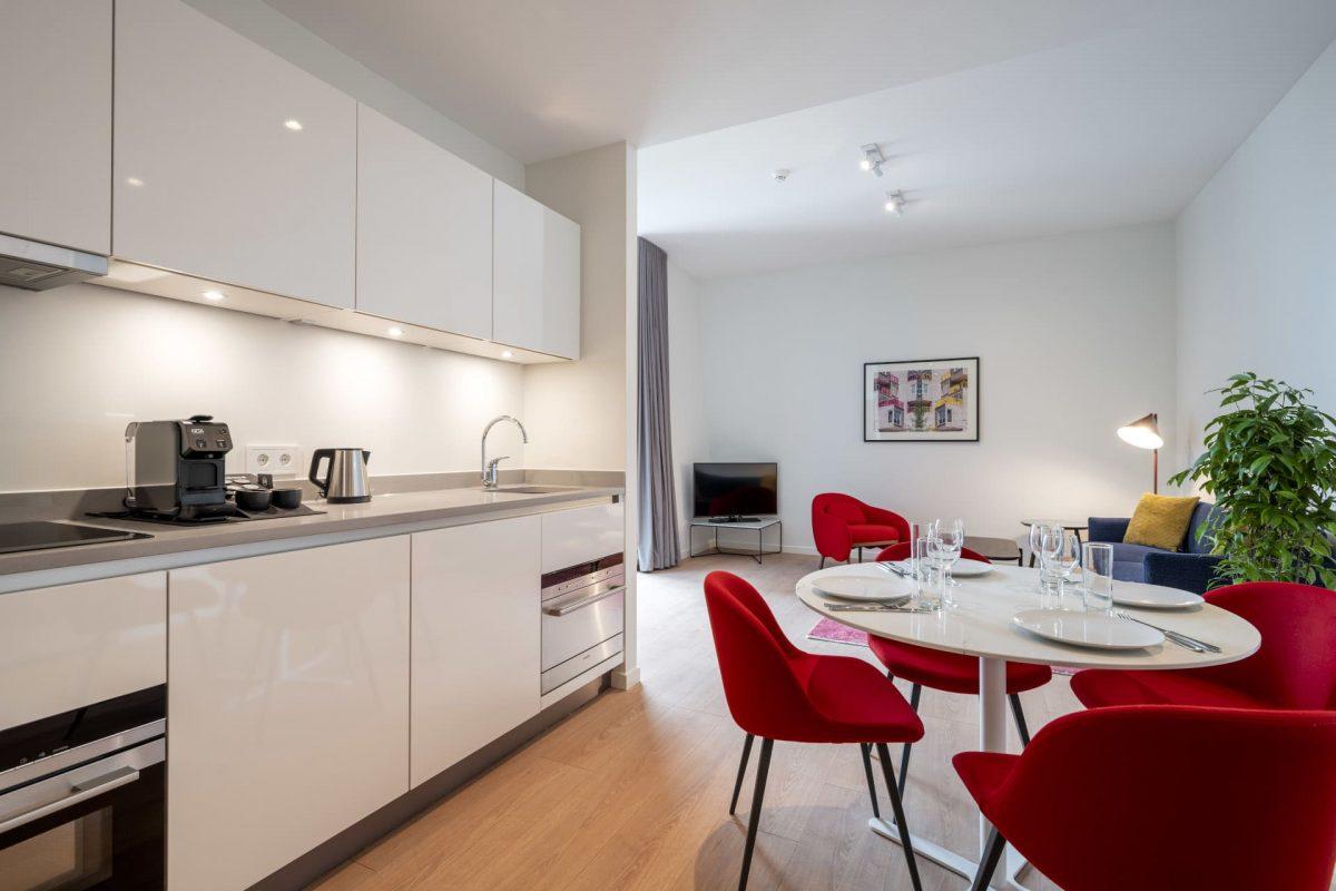 PREMIER SUITES PLUS Amsterdan Superior One Bedroom Apartment Kitchen