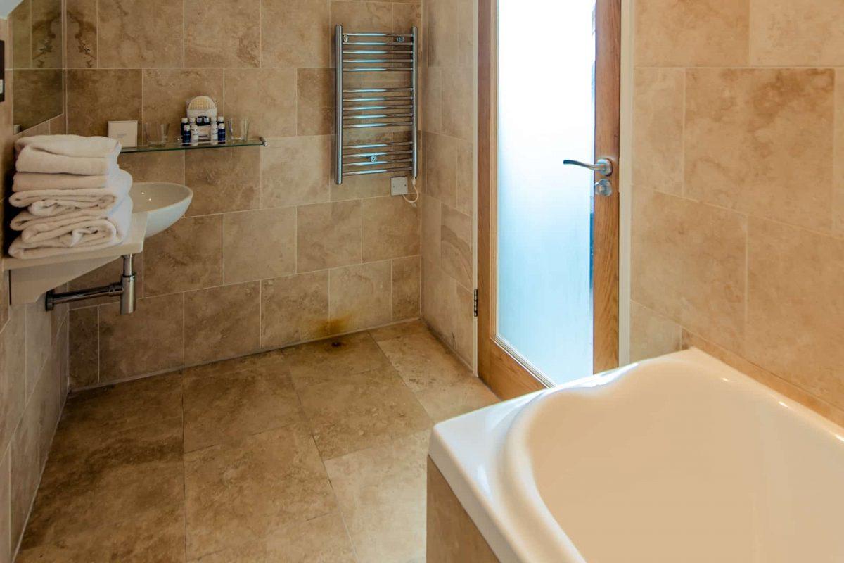 PREMIER SUITES PLUS Dublin Leeson Street bathroom